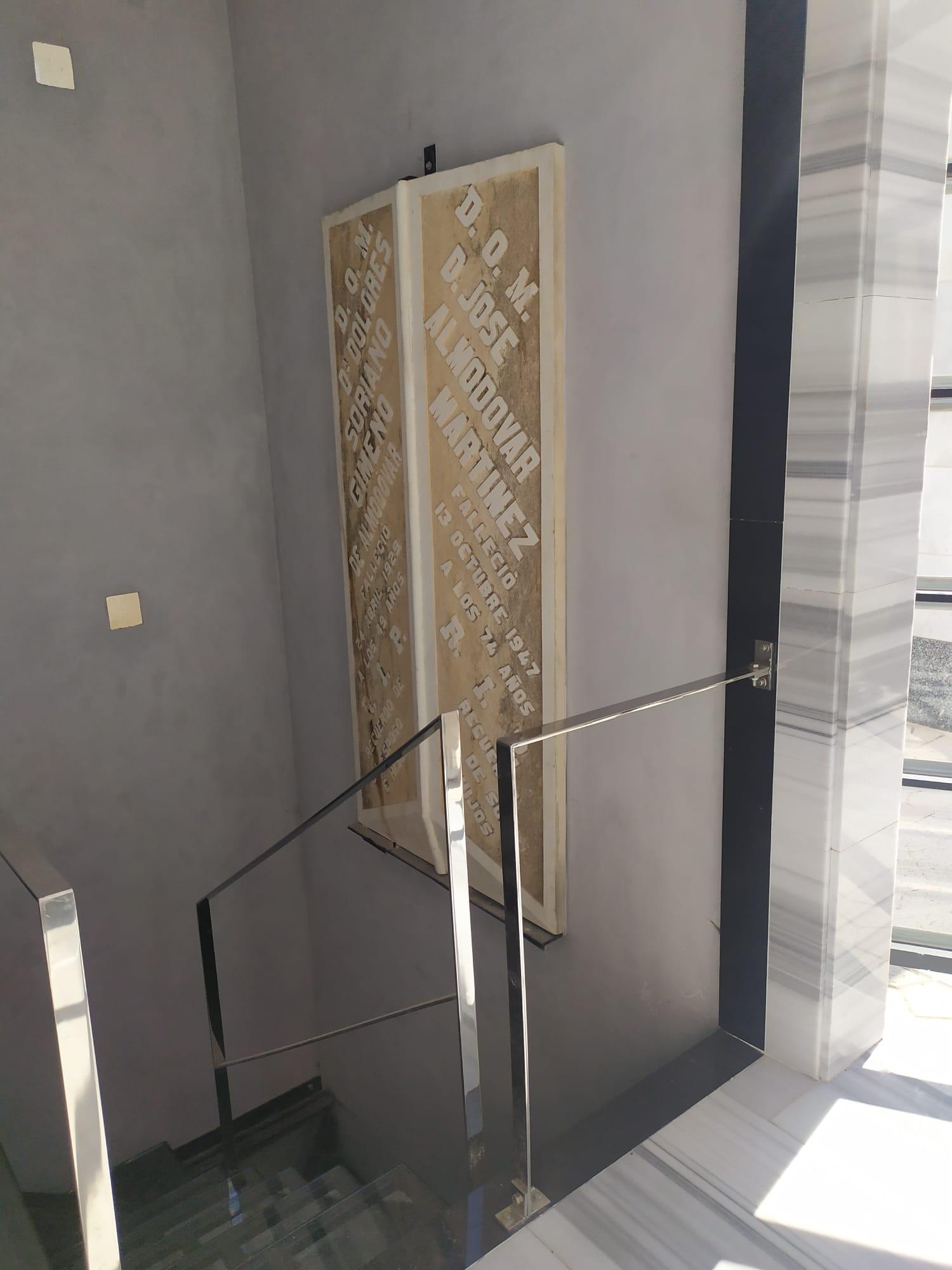 Escalera-cementerio-Orihuela